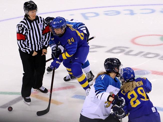 JUN_hockey.jpg