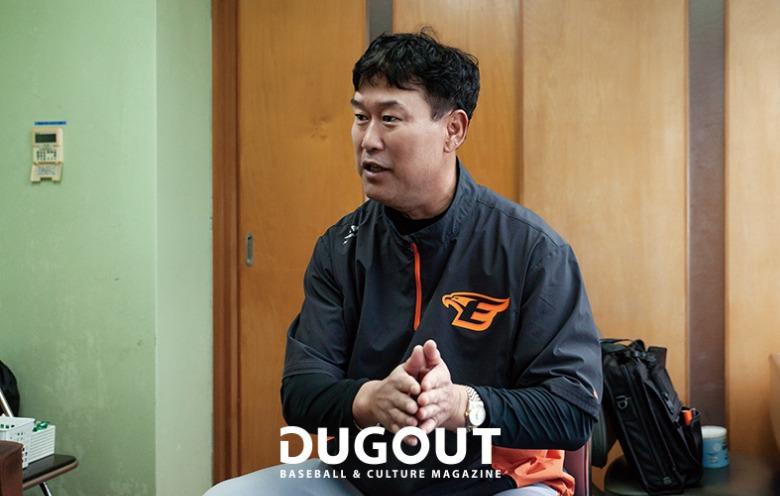 장종훈 코치 (2).jpg