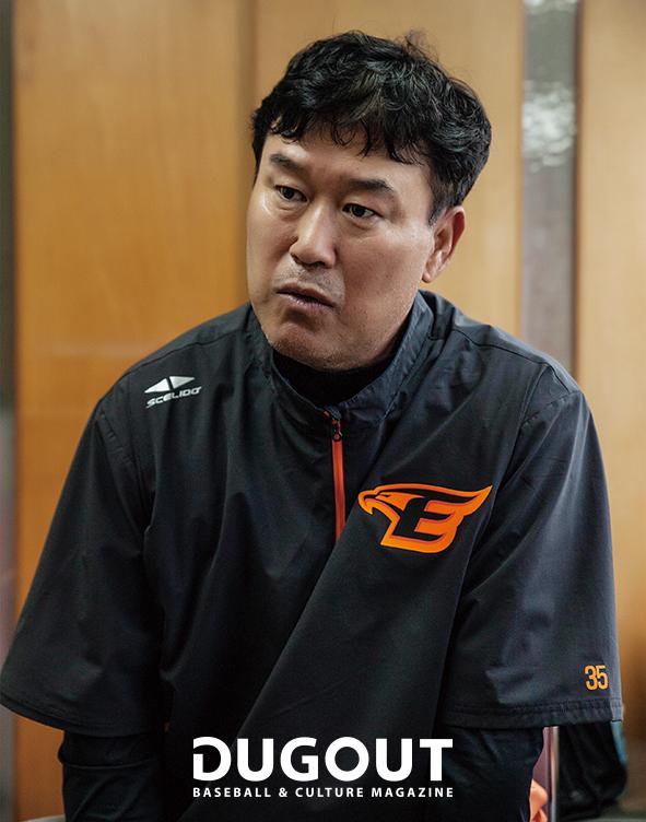 장종훈 코치 (4).jpg