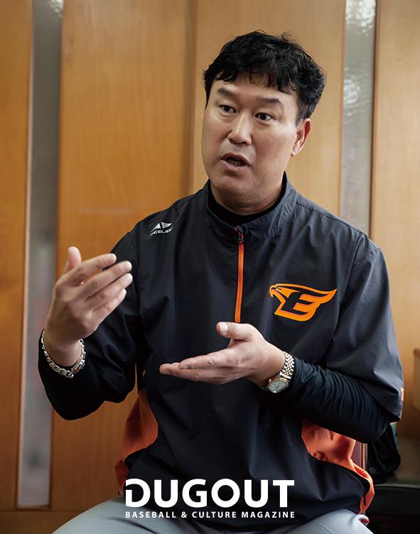 장종훈 코치 (8).jpg