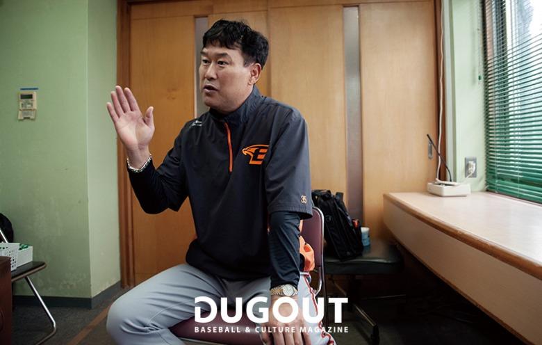 장종훈 코치 (7).jpg