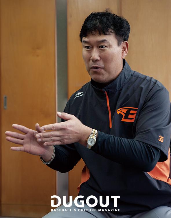 장종훈 코치 (6).jpg