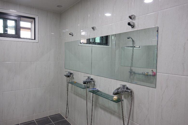 샤워실.jpg
